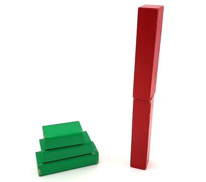 Green blocks are stacked low and wide while red block are stacked narrow and high