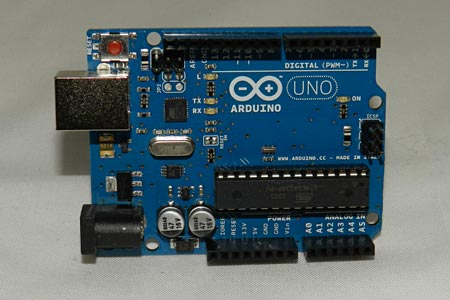 Arduino Tutorial image- the Arduino UNO is a popular model in the Arduino line