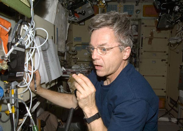 Physical Science fair project Astronaut uses ham radio onboard the international space station.