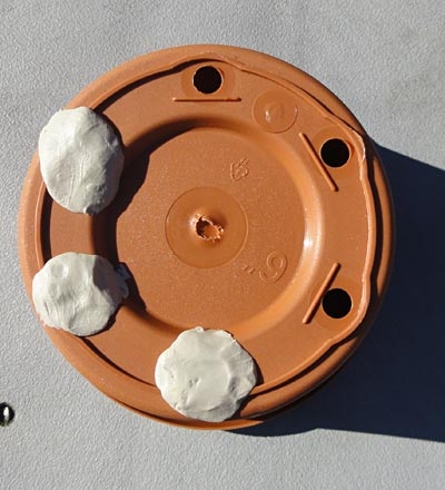 This image shows a Flowerpot with putty Mechanical Engineering science project