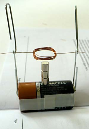 Build a simple electric motor for Simple electric motor science project
