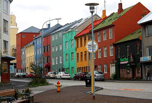 Color Houses can the color of your house reduce your energy footprint?