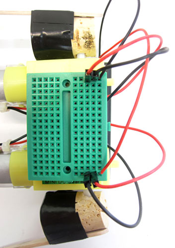 connecting motor wires to dancing robot breadboard circuit