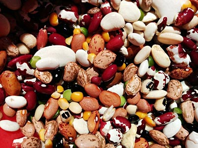 Photo of various beans and peas mixed together