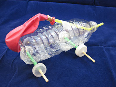 balloon car with bottle wheels