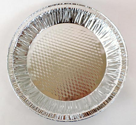 An aluminum pie pan