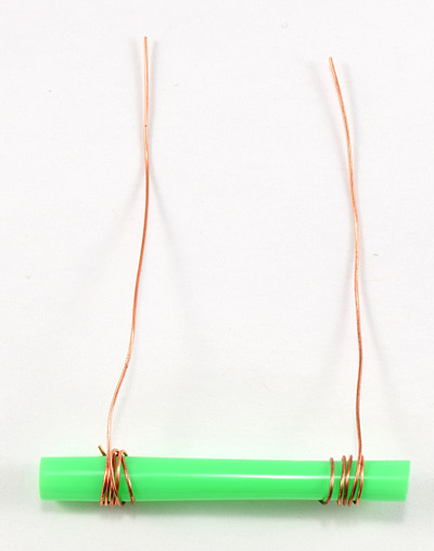 wires wrapped around straw to form conductance sensor
