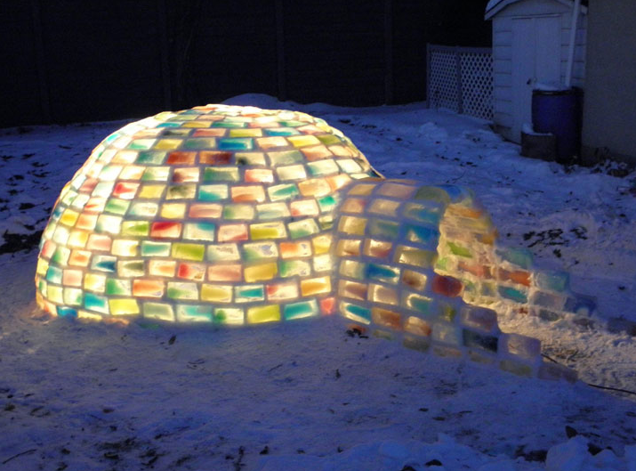 2013-blog-rainbowigloo_how-to-make-rainbow-colored-igloo-using-milk-cartons-11.png