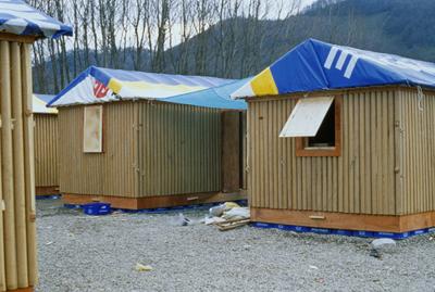 2014-blog-architecture-Shigeru-Ban-paper-log-house-turkey.png
