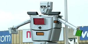 Larger-than-life Robots on Traffic Control Duty