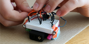 Advanced Bristlebot Solar-Powered Kit and Hands-on Robotics Project